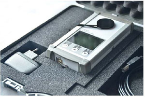 Hard-top case for safe transport and storage of the BTS256-E and its accessories